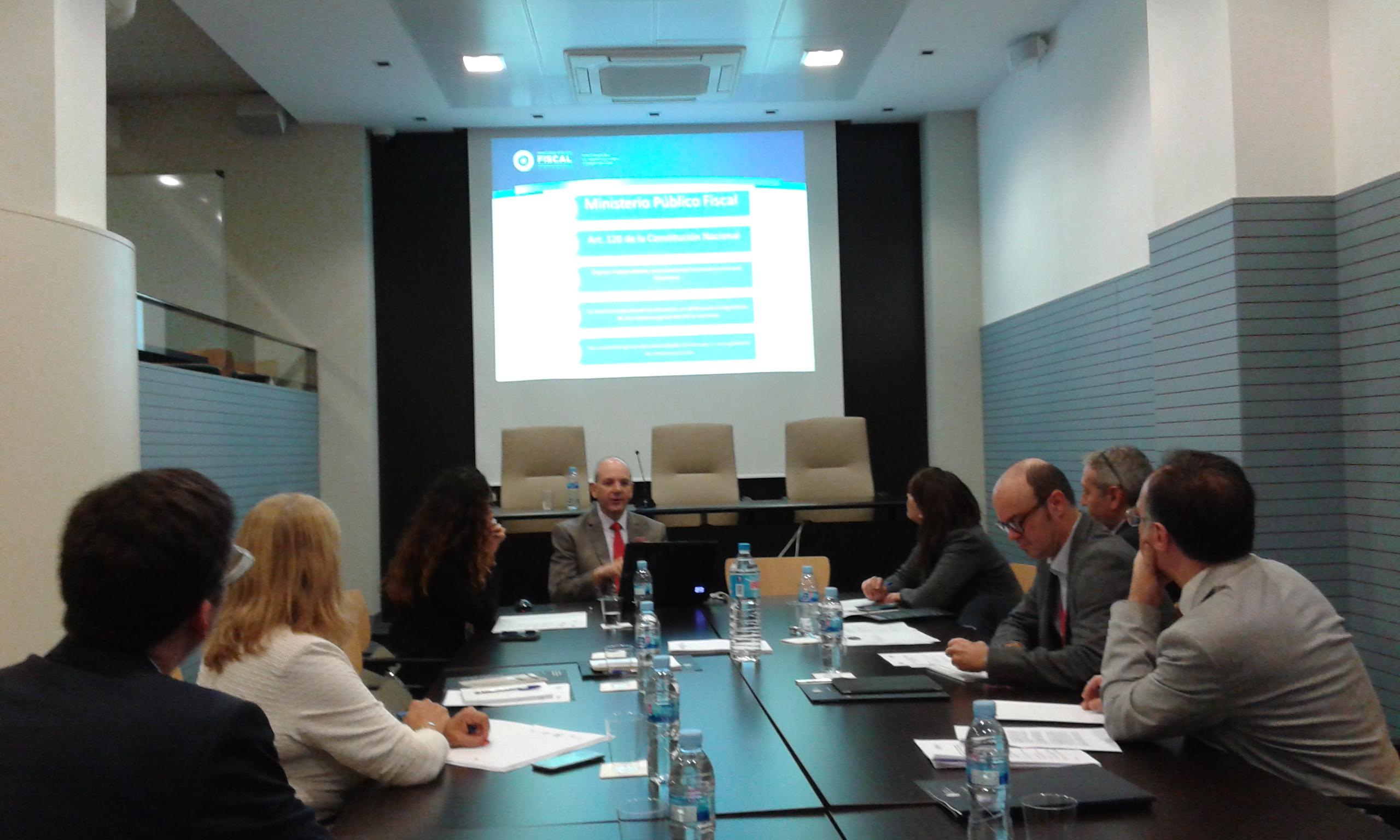 Se suscribi un importante convenio de asistencia y for Convenio oficinas madrid